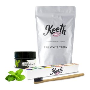 Kit : toothbrush and mint-flavoured activated charcoal powder